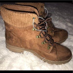 Women's Lace Up Boots - Chestnut